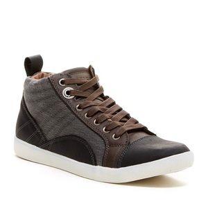 Guess men sneakers.